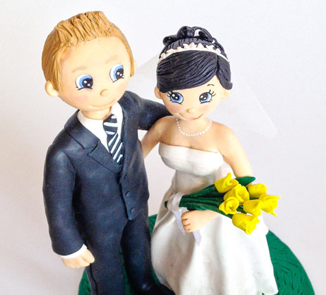 Animated wedding cake topper